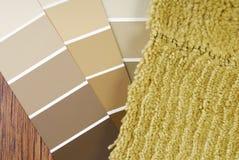颜色油漆并且地毯选择 库存图片
