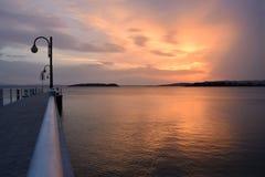 颜色爆炸在日落的在特拉西梅诺湖在翁布里亚- I 免版税图库摄影