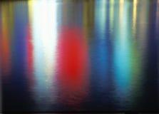 颜色的抽象反映在水的 免版税库存照片