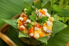 从颜色的越南传统莲花炒饭 免版税库存照片