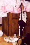 颜色穿上鞋子伞 免版税库存图片
