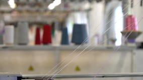 颜色螺纹短管轴在编织机视图的 影视素材