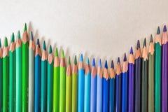 颜色铅笔篱芭 免版税库存照片