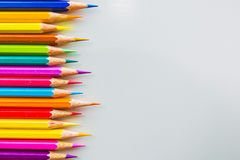 颜色铅笔被隔绝在白色背景关闭  免版税图库摄影