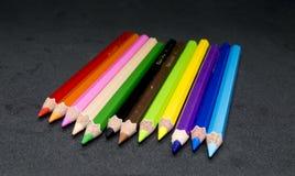 颜色铅笔,颜色铅笔刮脸 图库摄影