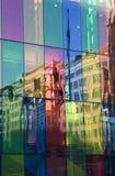 颜色镜子墙壁 库存图片