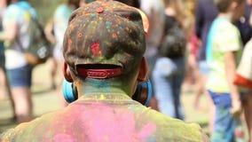 颜色,人们节日投掷油漆 影视素材