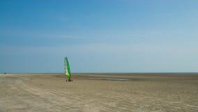 风供给动力的三轮车在海滩在马来西亚 免版税图库摄影