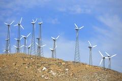 风力场在沙漠 免版税库存图片
