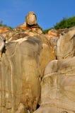 风化在特色形状的花岗岩石头 库存照片