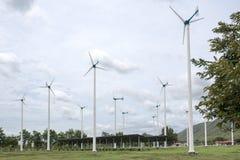 风和太阳能电池 免版税库存照片
