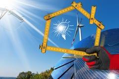 风和太阳能-议院项目  免版税库存图片