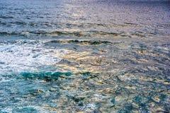 风大浪急的海面在撒丁岛 免版税图库摄影