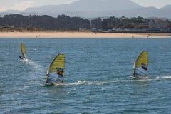 风帆冲浪在桑坦德,西班牙海湾  库存照片
