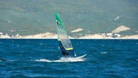 风帆冲浪在黑海 免版税库存图片