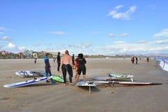 风帆冲浪在Malvarrosa海滩,巴伦西亚 库存照片
