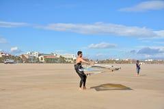 风帆冲浪在Malvarrosa海滩,巴伦西亚 库存图片