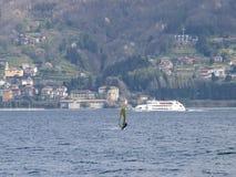 风帆冲浪者乐趣在一天Breva 免版税库存图片
