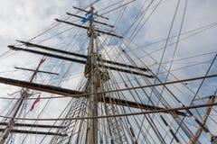 风帆船的帆柱和绳索 库存图片