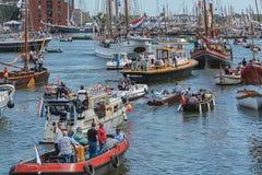 风帆阿姆斯特丹2015年是高船、海遗产、军舰和印象深刻的复制品一支巨大小舰队  免版税库存照片