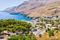 风景、山和海在克利特海岛的南侧 免版税库存照片
