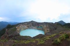 风景三个色的湖克里穆图火山, Ende 库存图片