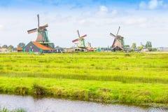 风景在有风车的荷兰 免版税库存照片