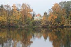 风景在秋天公园 免版税库存图片