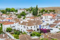 风景夏天视域在Obidos,莱里亚区,葡萄牙 免版税库存照片
