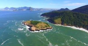 风景天堂 城市天堂在背景中,里约热内卢,巴西 鹿海岛 股票录像