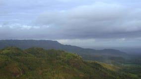 风景时间间隔在美丽婆罗浮屠的寺庙附近的在Mangunan小山视图的停止运动 股票录像