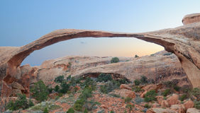 风景曲拱全景在日落 库存图片