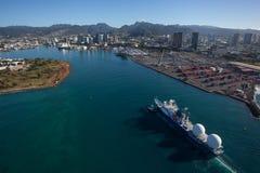 风景檀香山港口奥阿胡岛夏威夷美好的鸟瞰图  库存照片