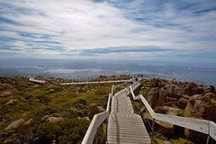 风景步行登上惠灵顿,塔斯马尼亚岛 免版税库存图片