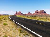 风景沙漠的路 库存图片