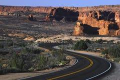 风景沙漠的高速公路 库存照片