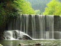 风景流瀑布 库存照片