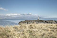 风景潮汐海岛在北部威尔士 库存照片