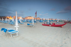 风景的海滩, Viareggio,意大利 免版税库存图片