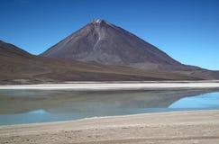 风景盐水湖在玻利维亚拉古纳Verde 图库摄影