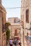 风景石头在西西里岛铺了埃里切街道,特拉帕尼省  免版税图库摄影