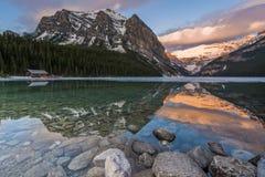 风景美丽的路易丝湖 图库摄影