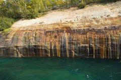 风景苏必利尔湖畔的峭壁 库存图片