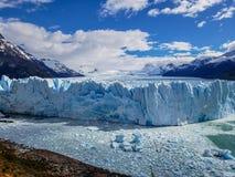 风景观点的Glaciar佩里托莫雷诺,埃尔卡拉法特,阿根廷 图库摄影