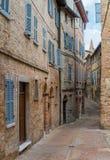 风景视域在乌尔比诺、城市和世界遗产名录站点在意大利的马尔什地区 库存照片