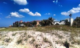 风景马德拉岛的海滩 库存图片