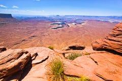 风景从天空的Canyonlands的海岛,默阿布沙漠俯视 免版税库存图片