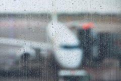 风暴在机场 库存图片