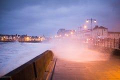 风暴布赖恩打击波斯考尔,南威尔士,英国 图库摄影