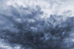 风暴黑暗不祥的云彩 库存照片